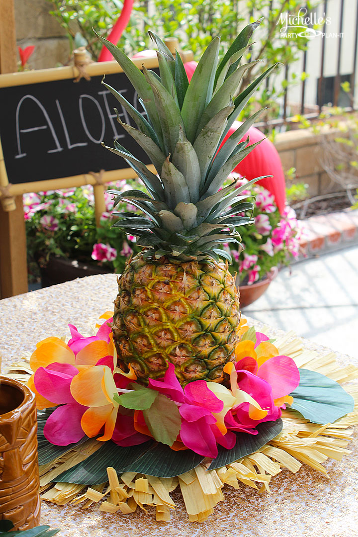 Easy Pineapple Luau Centerpiece Michelles Party Plan It
