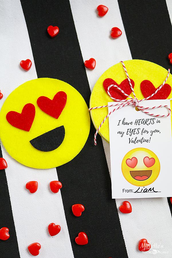 DIy Felt Emoji Coaster Valentines