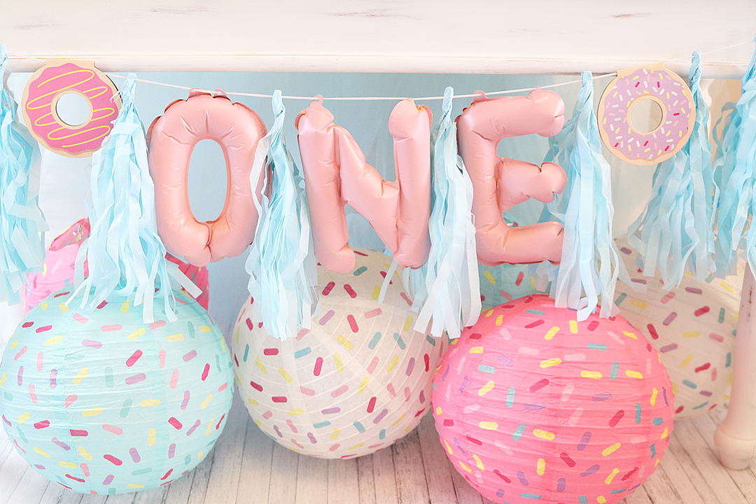 Donut Party Ideas - Donut Balloon Banner