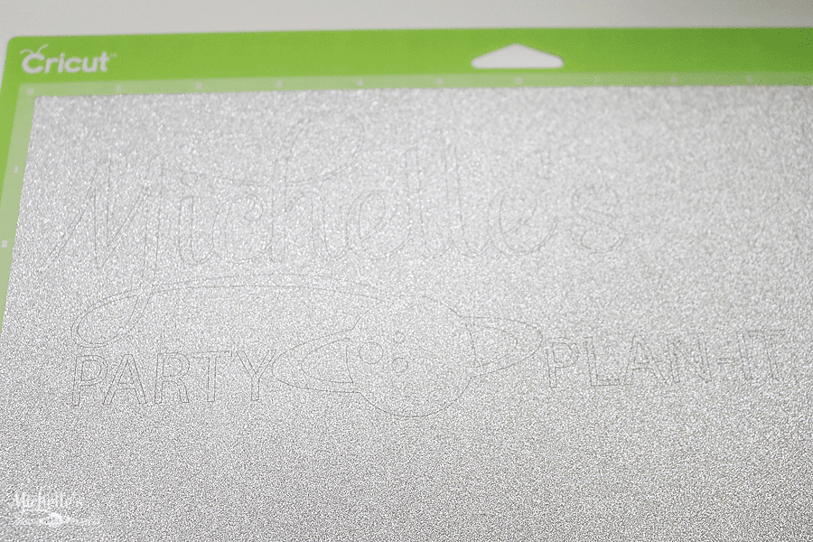 How to personalize your Cricut Explore Air 2 - cut vinyl