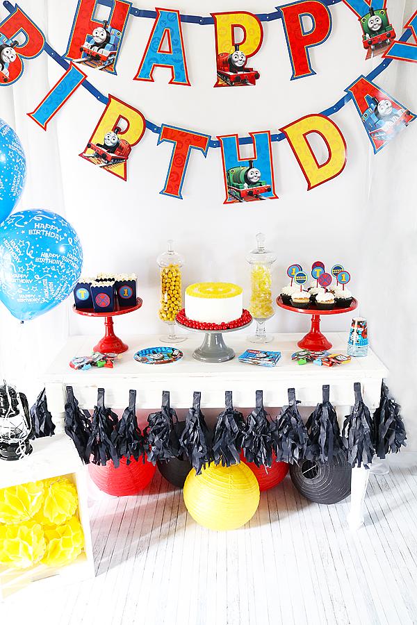 THOMAS & FRIENDS™ BIRTHDAY PARTY