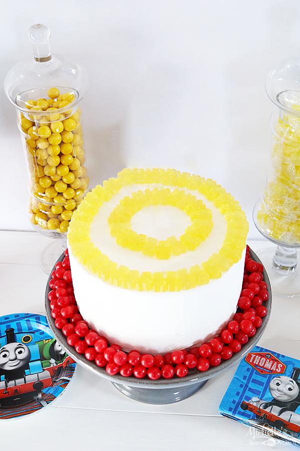 THOMAS & FRIENDS™ BIRTHDAY PARTY CAKE