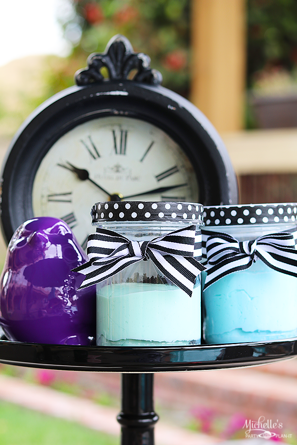 Easy Homemade Play dough Party Favors