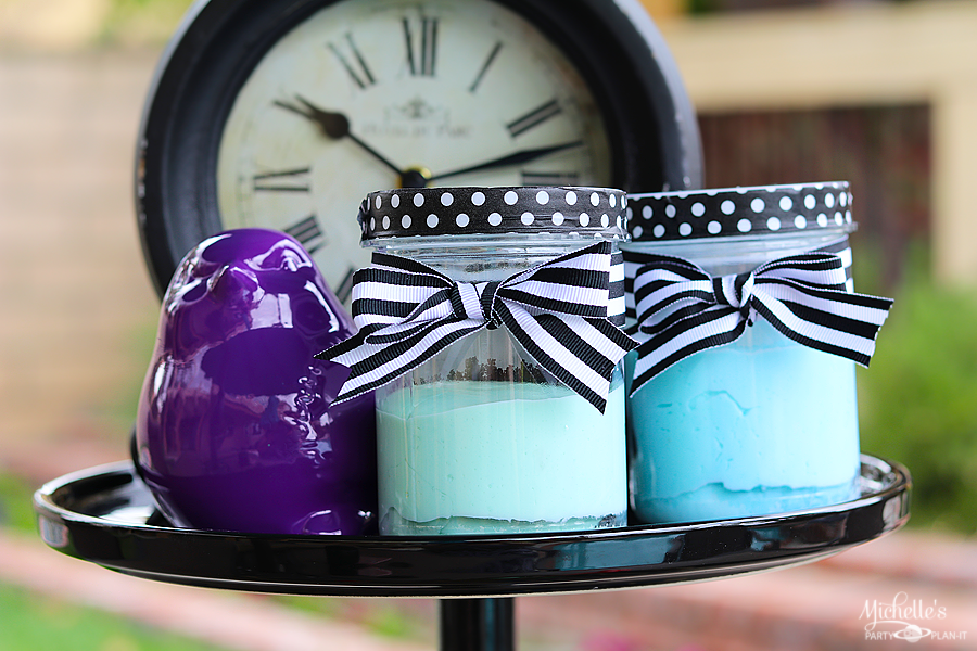 Easy tutorial for Homemade Play dough Party Favors