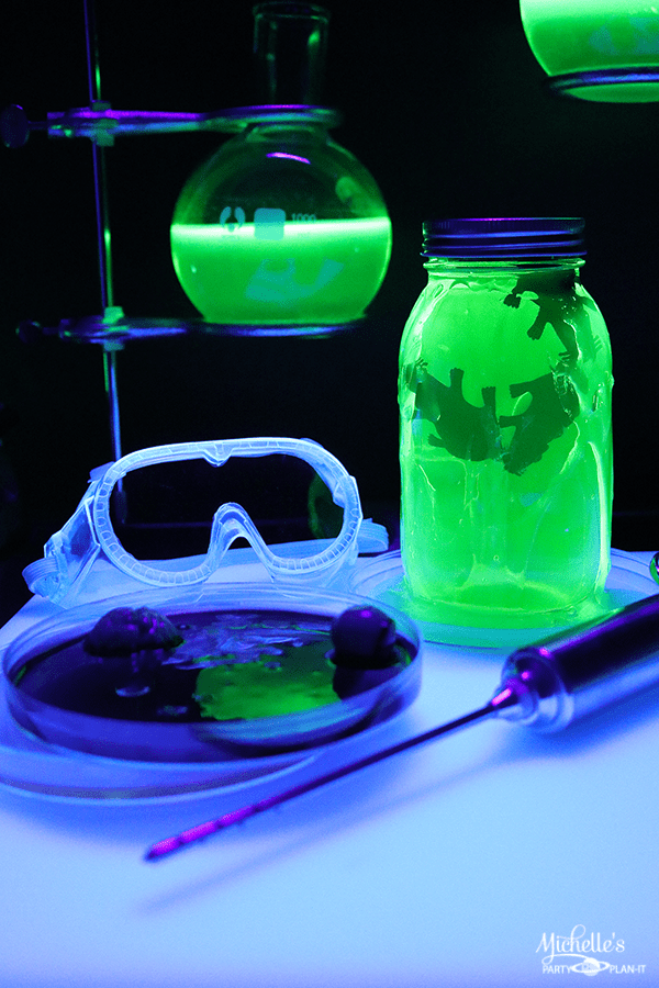 Mad Scientist Halloween Party Props