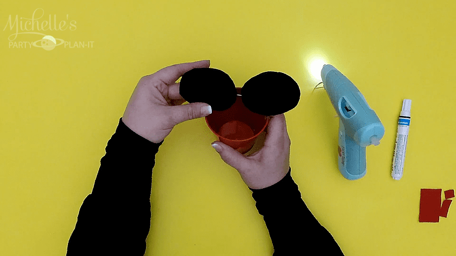 How to make Minnie Mouse Party Favors