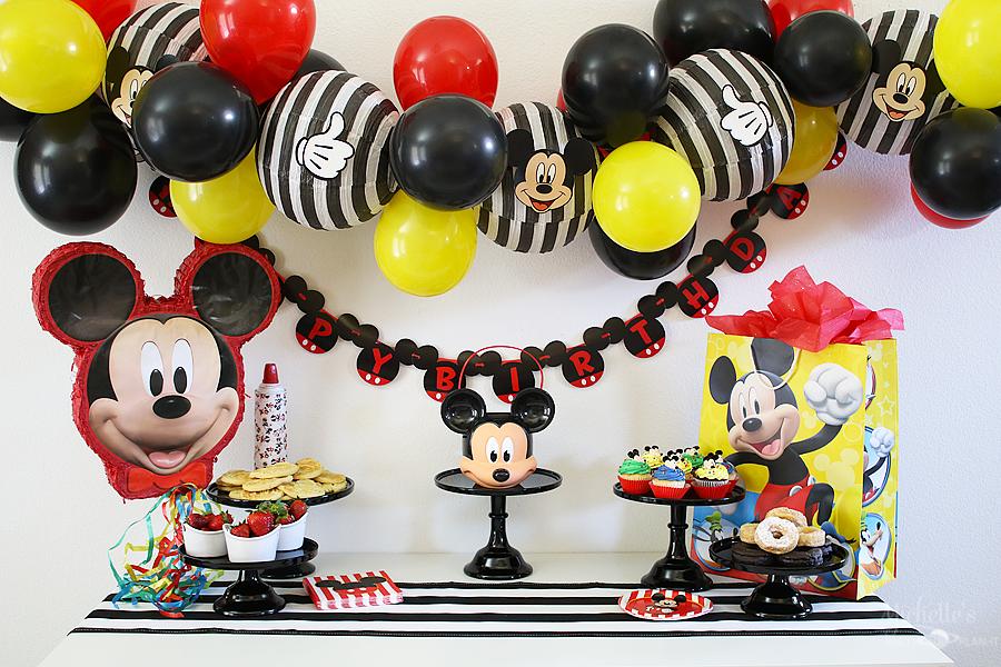 Mickey Birthday Party Table
