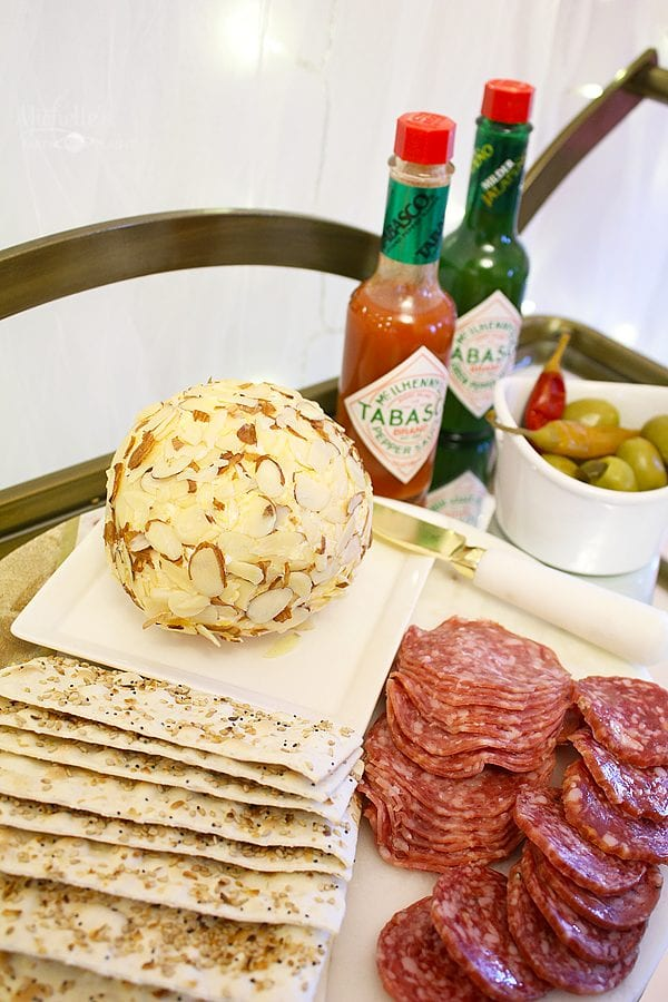 Spicy cheese ball 4