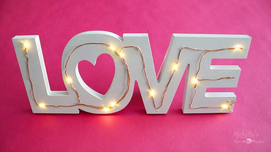 Diy tabletop love sign 1