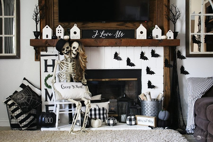 Halloween skeleton mantle