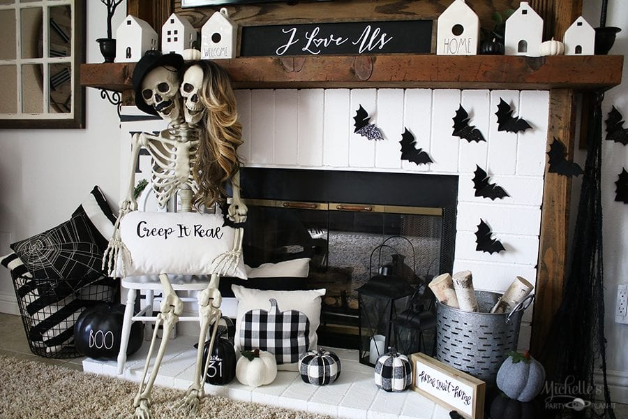 Skeleton day halloween mantle