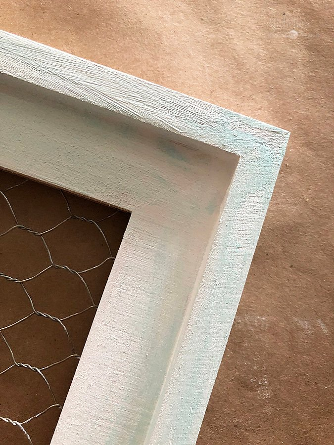 Painted chicken wire frame
