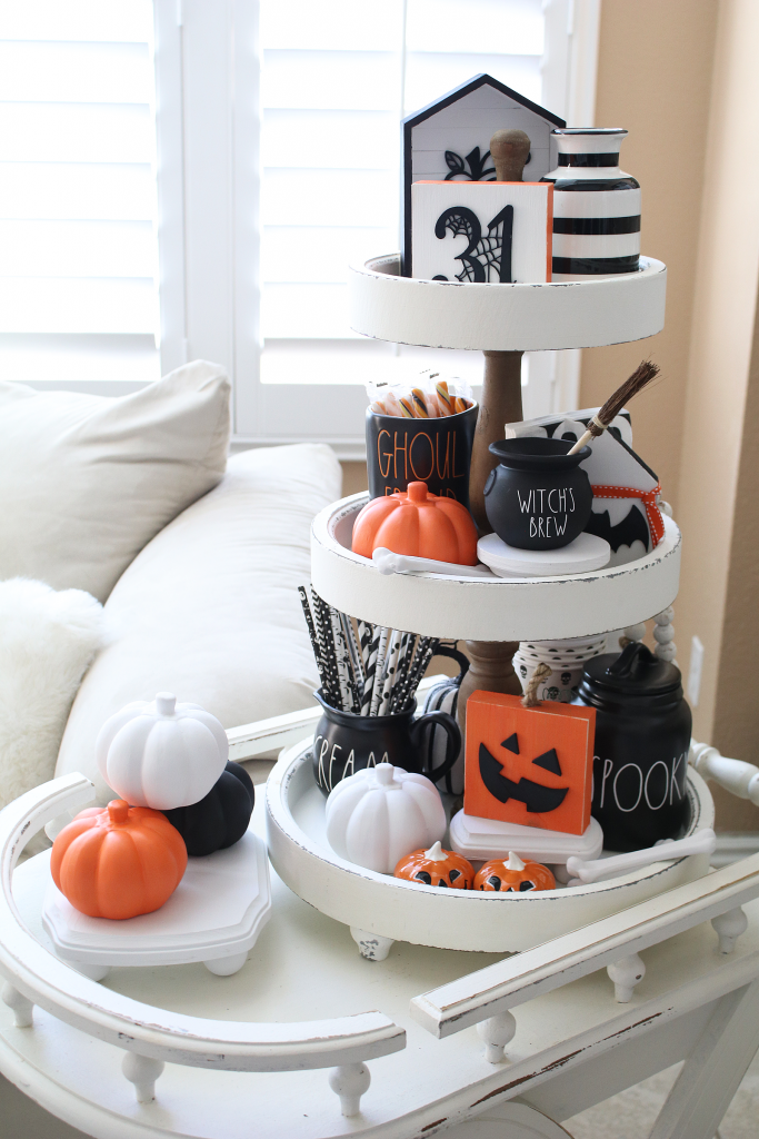 Perfectly wicked tiered tray