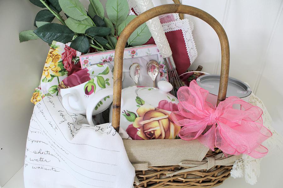 tea time gift basket small