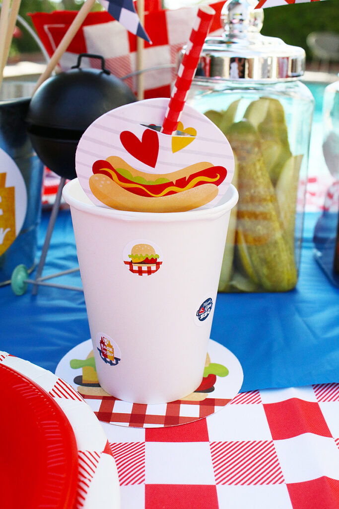 diy cups and straw flags